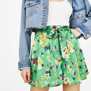 BERSHKA Green Floral High Waisted Tie Front Shorts